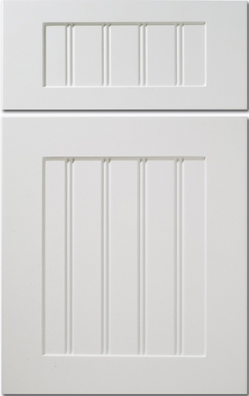 White Kitchen Cabinets With Beadboard Doors photo - 4