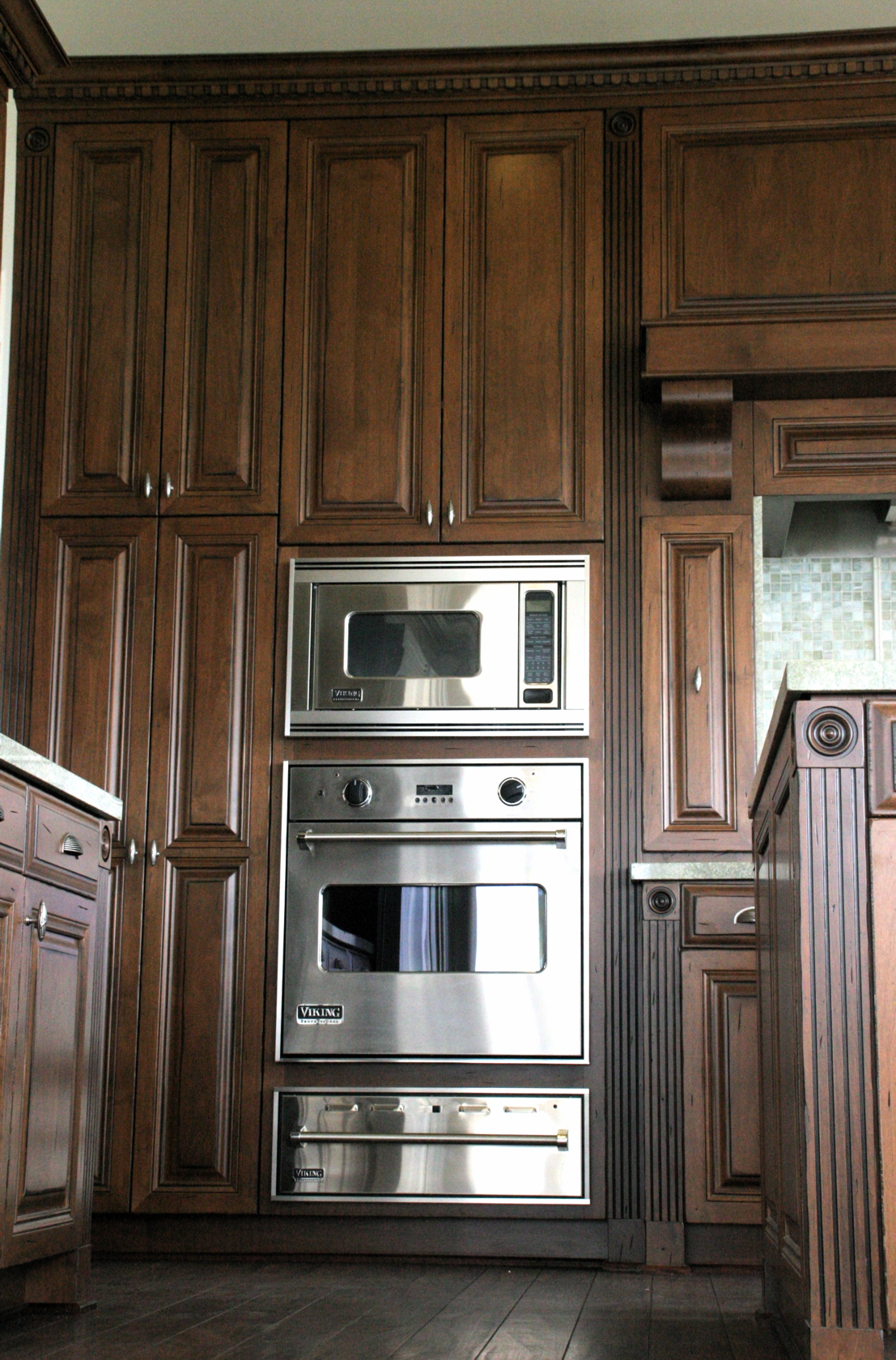 Rubottom Cabinets with Viking Appliances