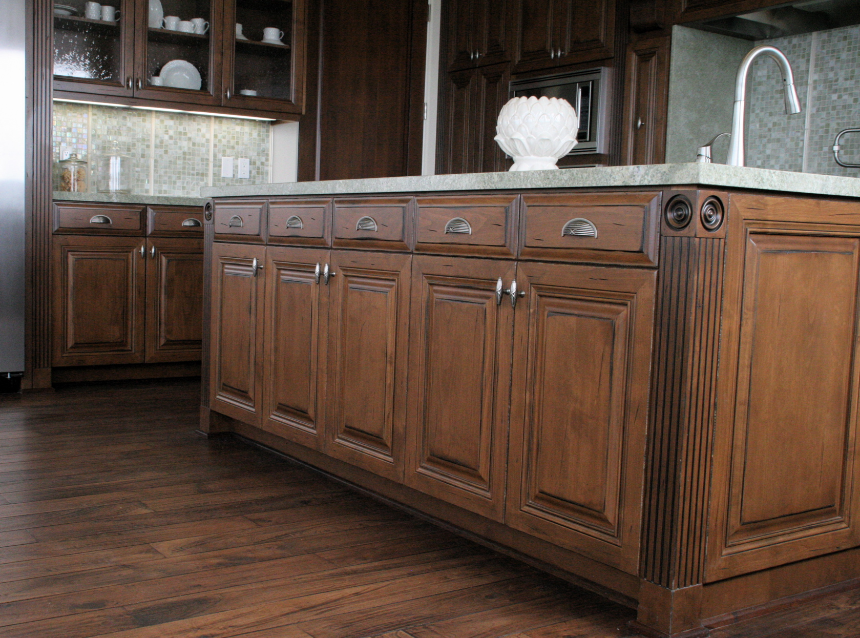 how to make distressed cabinets