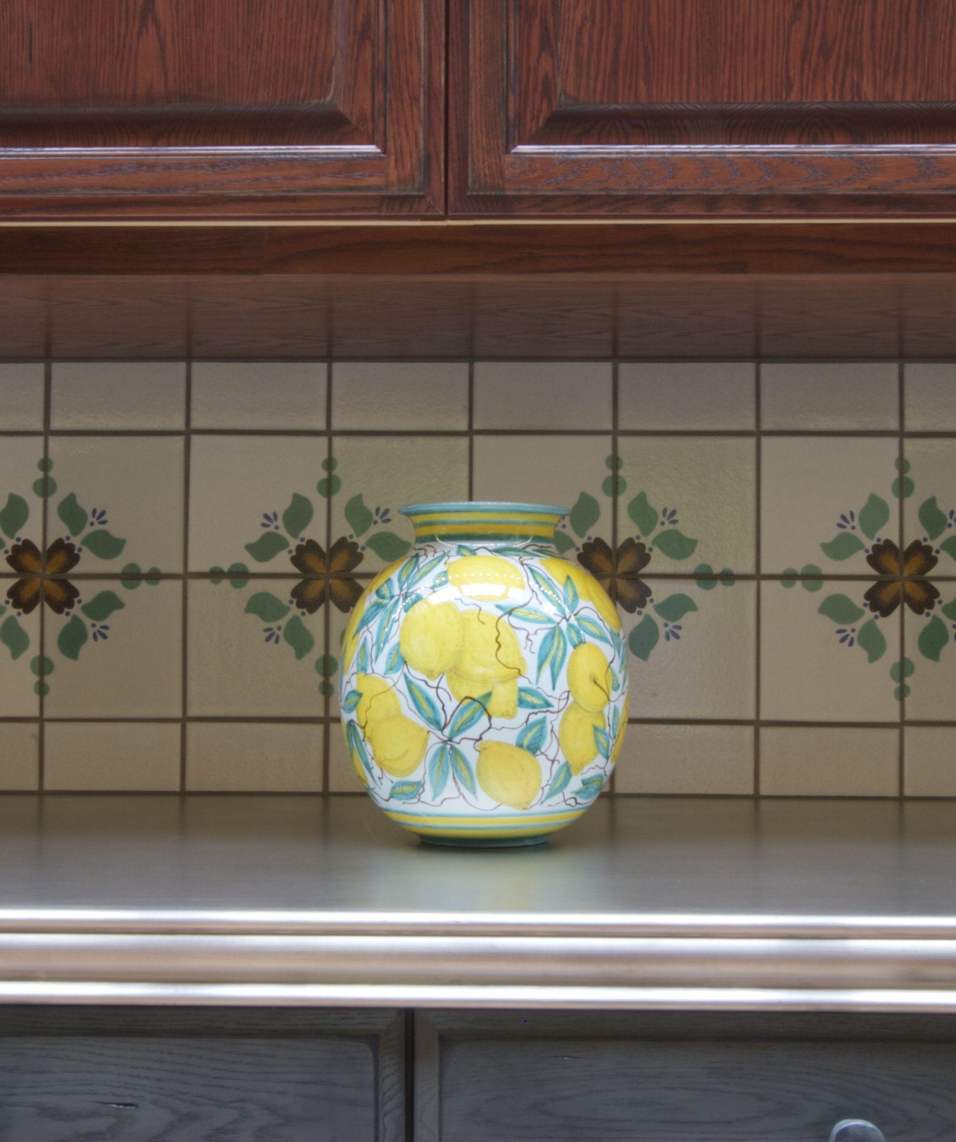 Blonde Oak Kitchen Cabinets: Blonde, Blue And Red Oak Kitchen